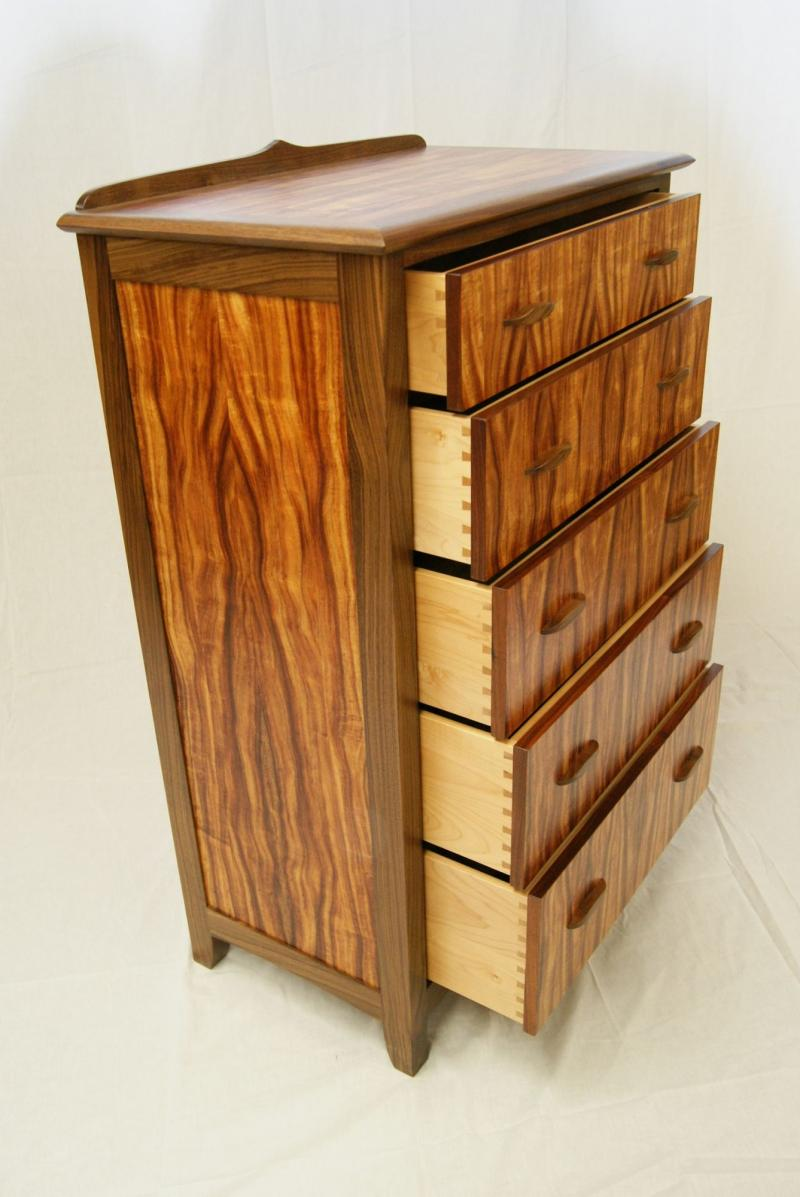 Pinnacle Dresser