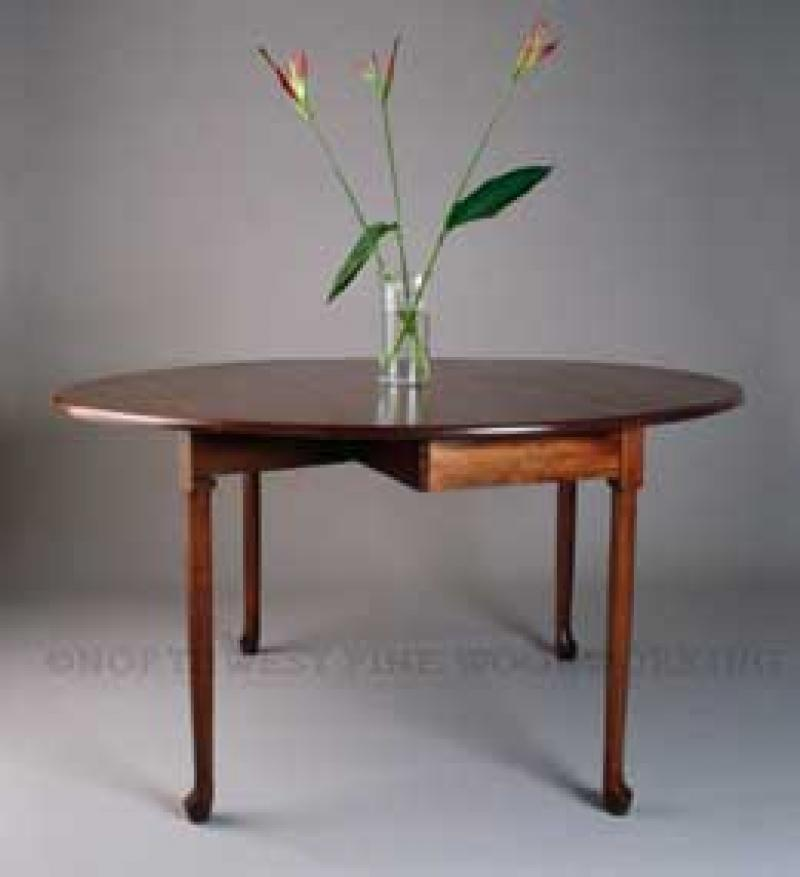Drop Leaf Oval Dining Table